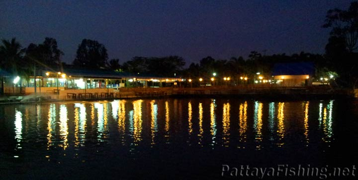 Baetong Fishing Park at dusk