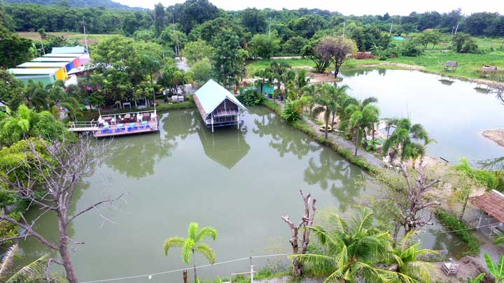 Fishoholics Fishing Resort and Restaurant